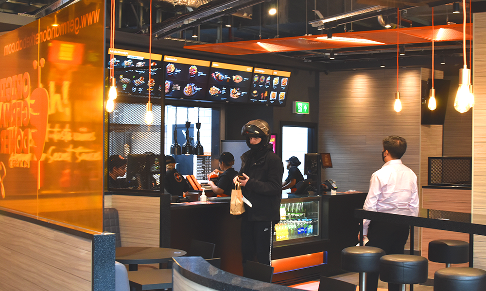 The Canary Wharf branch is already attracting a flow of diners